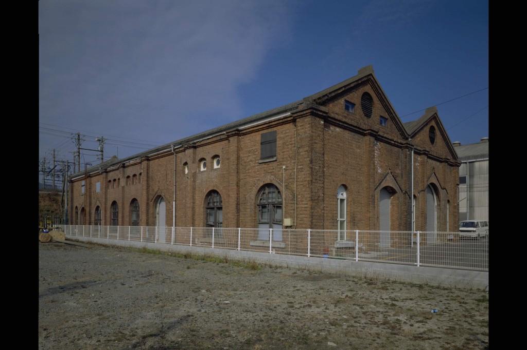 サンデン本社屋(旧三川電鉄変電所)