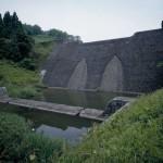 現在の貯水堰堤_トリミング