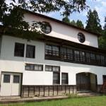 朝日町の旧西五百川小学校の写真
