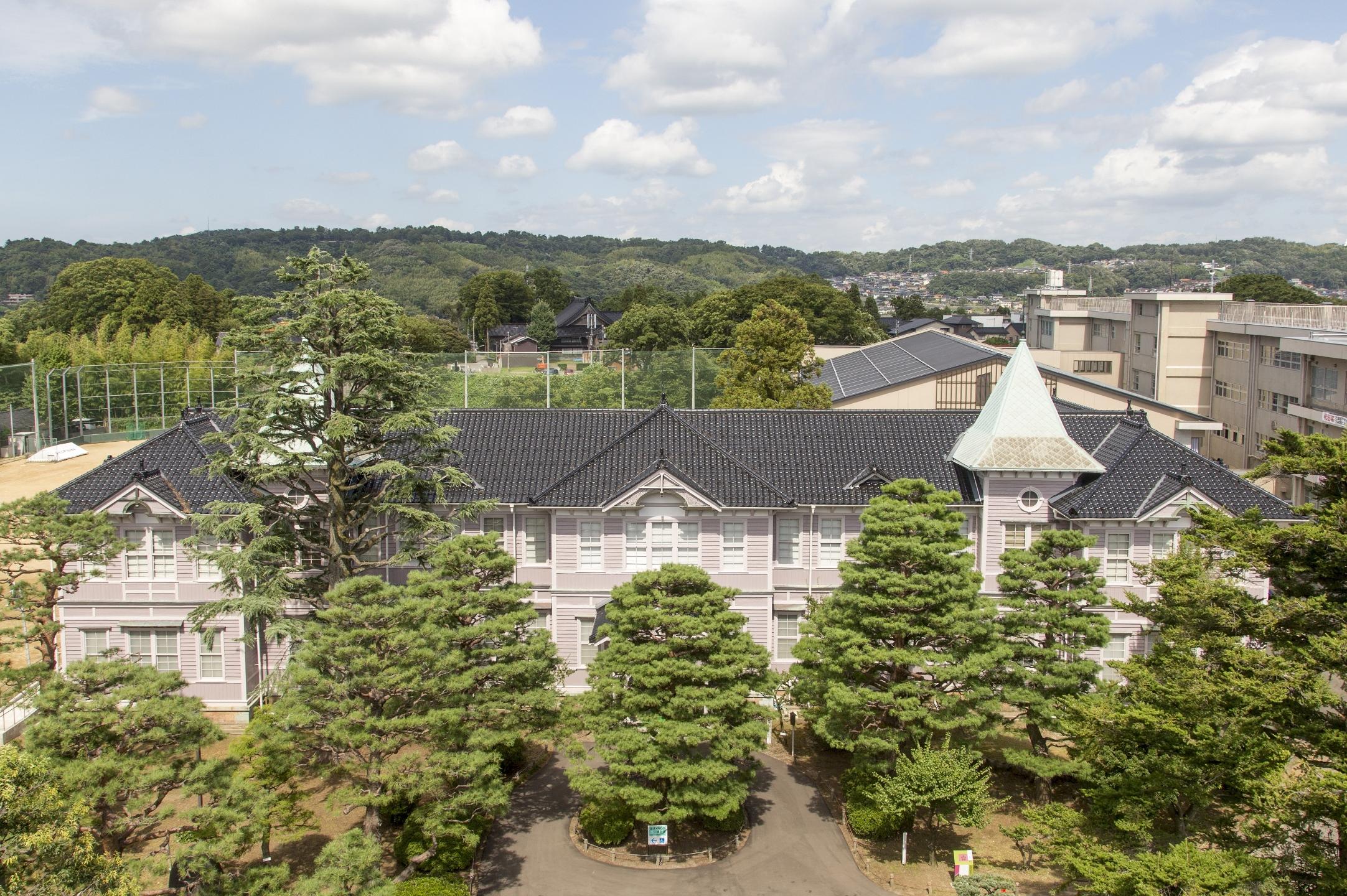 旧石川県第二中学校本館