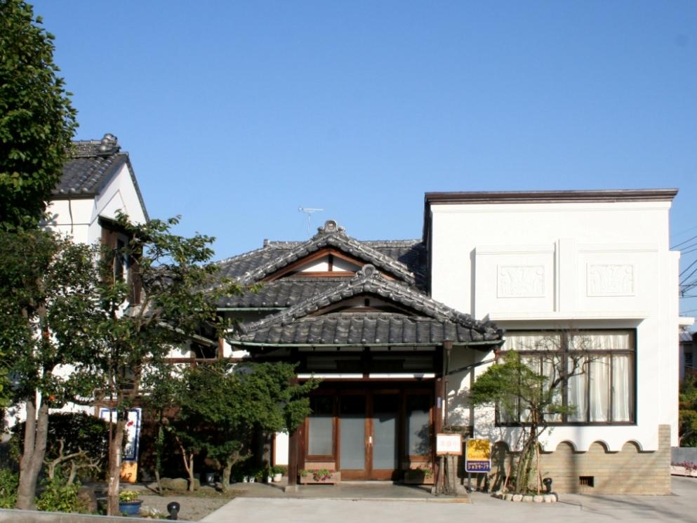 旧堀家住宅主屋(ショコラ・ノア)