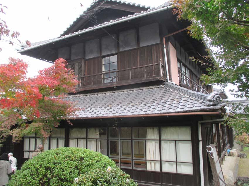 旧岡田医院(雅休邸)
